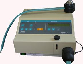 クリオ。設定温度5度から10度で安定させ患部をアプローチ